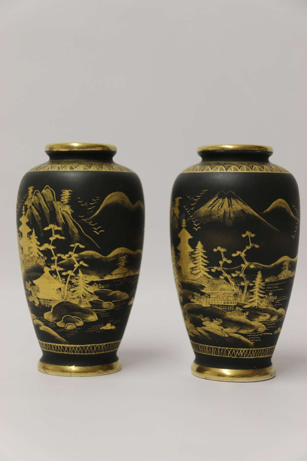A fine pair of Japanese early 20th C  Satsuma vases